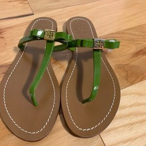Tory Burch Leighanne thong sandal. NWT. 8